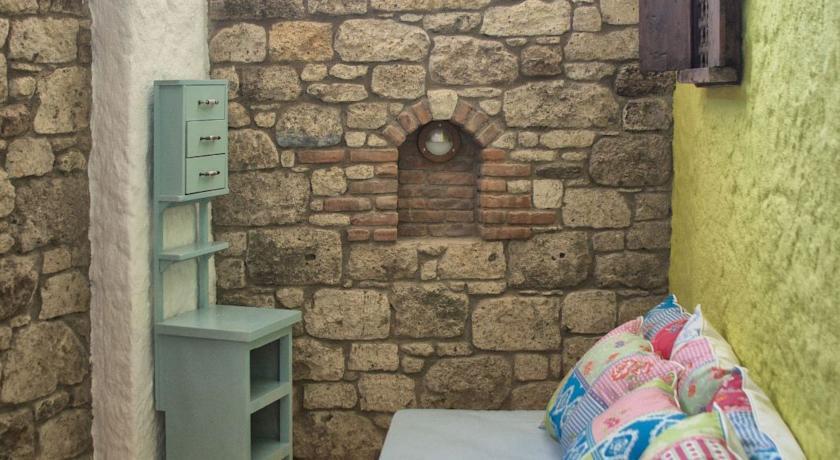 Alaçatı Aladam Konuk Evi Guest House
