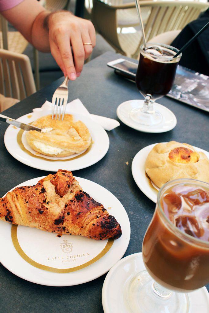 malta-valletta-cafe-cordina